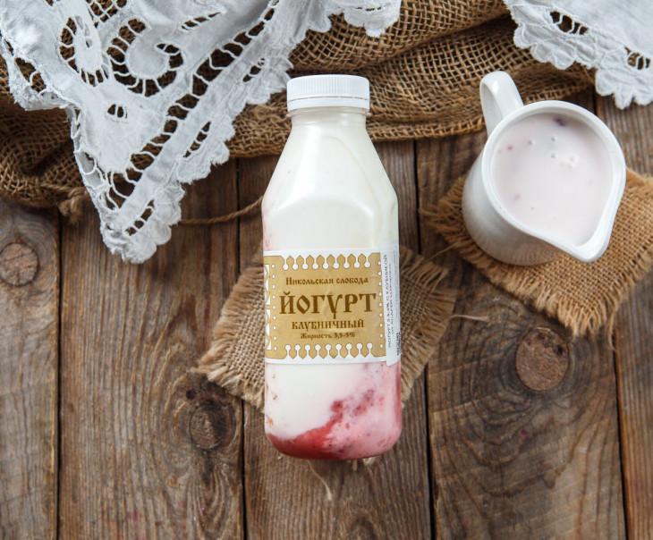 Йогурт клубничный 3,5-4%