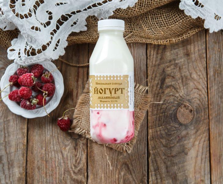 Йогурт малиновый 3,5-4%
