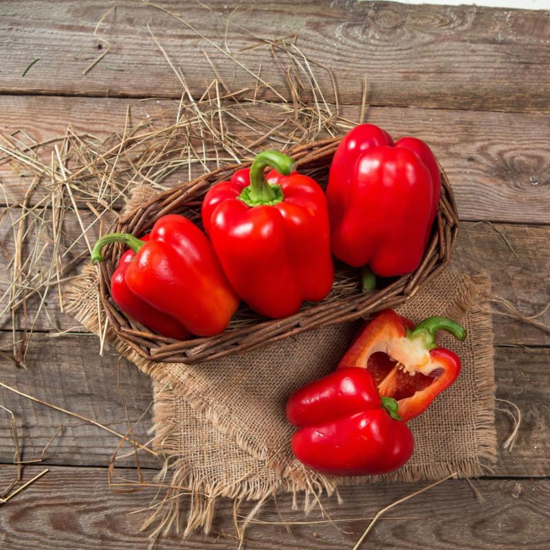 Перец красныйПерец от нашего фермера очень ароматный! Любое блюдо, приготовленное с ним, окрасит Ваш дом уютным запахом осенних заготовок. Отметим, что выращены перцы без применения агрохимии.<br><br>Вес г.: 500