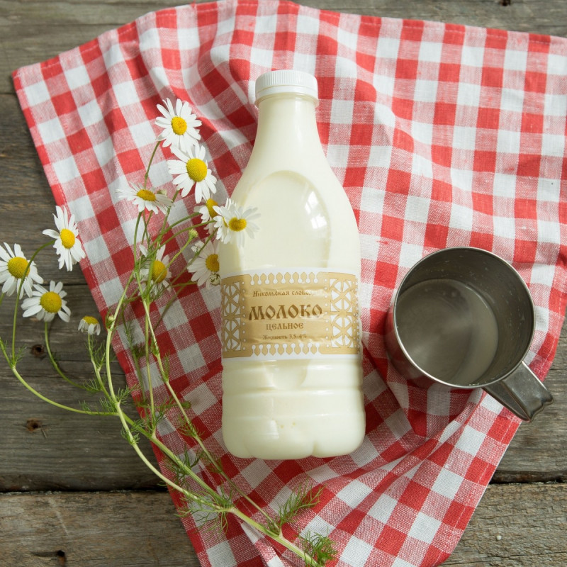 Молоко коровье 3,5 - 4 %Вкусное, цельное пастеризованное молоко от коров, привезенных на ферму из Карелии.<br><br>Вес литр: 1