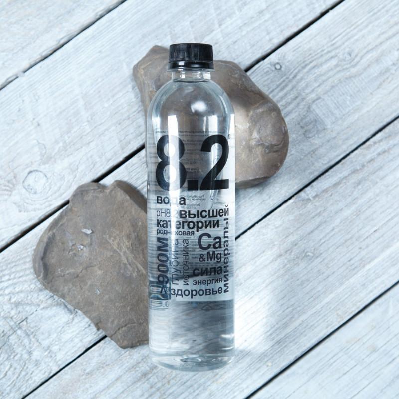 Вода родниковая 8.2Родниковая вода из Оковецкого источника с уникальным уровнем pH - 8.2. Такой уровень pH снижает уровень закисления организма. Это настоящая живая вода, с жесткостью - 3,7 мг,  минерализацией - 251 мг\л, известная с 1539 года.<br><br>Вес мл.: 500