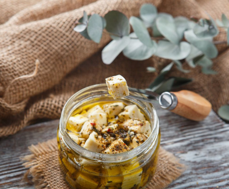 """Сыр """"Фета"""" в оливковом масле"""
