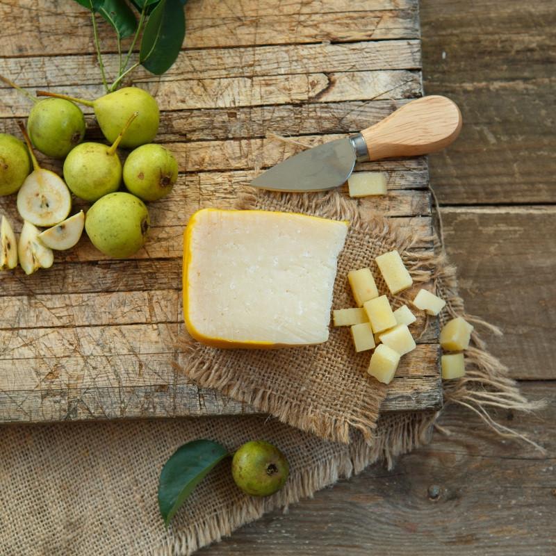 Сыр ПиренейскийПиренейский - твёрдый, прессованный, невареный французский сыр.<br><br>Вес г.: 150