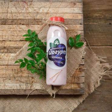 Йогурт черничный 2,5%